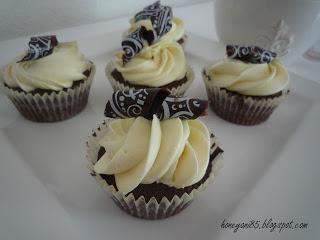 Schokocupcakes mit weißer Schoko Ganache