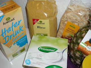 Vegan for fit Vorräte Milchersatzprodukte, Hirse und Kokoschips