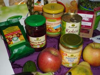 Vegan for fit Vorräte Bohnen Mussmuss und Nüsse