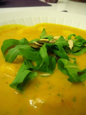 Rezept Kürbissuppe mit Gnocchi und Ruccula