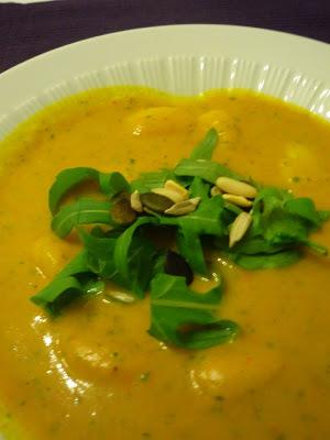 Rezept Kürbissuppe mit Gnocchi und Ruccola