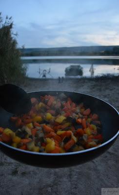 Rezept für Wrap mit Gemüse und spicy Erdnusssauce