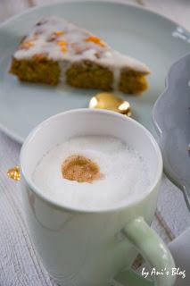 Kaffeepause mit veganem Karottenkuchen und Kokosmilch-Frosting