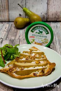 fruchtiger Flammkuchen ohne Hefe mit Altenburger Ziegenrahm, Birnen und Walnüssen