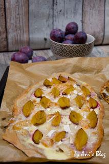 fruchtiger Flammkuchen ohne Hefe mit Altenburger Ziegenkäse mit Kümmel und Zwetschgen - so schmeckt der Herbst fantastisch