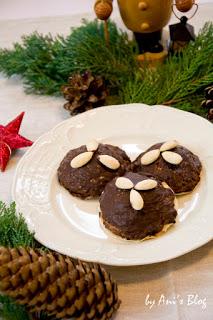 saftige und fruchtige Lebkuchen im Advent auf dem Adventssonntag Kaffeetisch