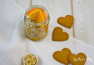 Mit den Orangen-Lebkuchen Overnight Oats holt ihr euch weihnachtlichen Geschmack ins Glas. Und das schon zum Frühstück. Gehts noch besser? Ich glaube nicht.