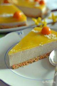 Ein Stück Mango-Buttermilch-Torte