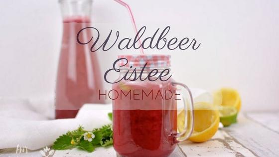 roter Waldbeer Eistee in Mason Jar Glas