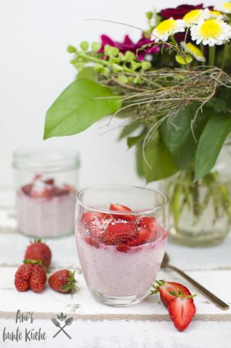 Overnight Oats im Cheesecake Style mit Erdbeeren