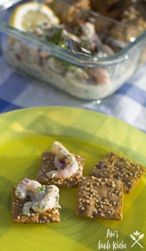 Krabbensalat auf dem Vollkorn-Snack von Dr. Karg's