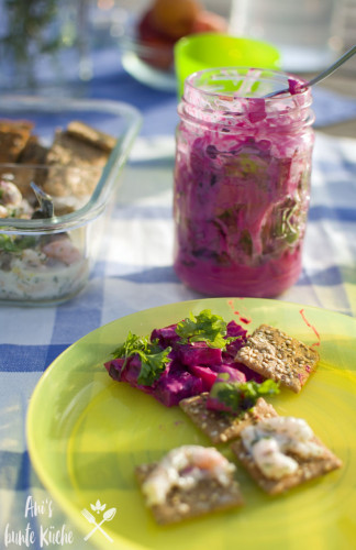 Rote Bete Salat mit Apfel auch als Aufstrich zum Osterbrunch