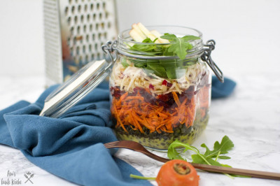 Eat the Rainbow - bunter veganer Linsensalat mit Belugalinsen und Dijon Dressing