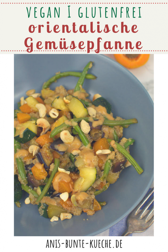 Gemüsepfanne mit Amaranth, Zucchini, Aubergine, grünen Bohnen dazu gibts eine Erdnussauce