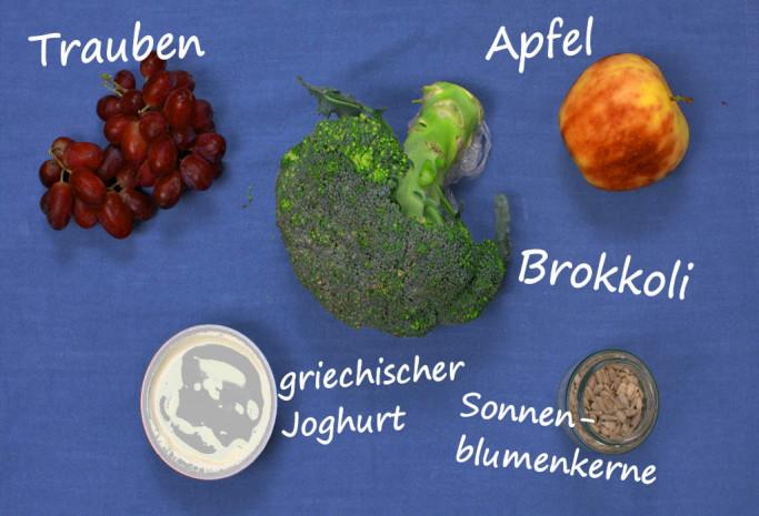 5 Zutaten Rezept - Brokkolisalat mit Apfel und Traube