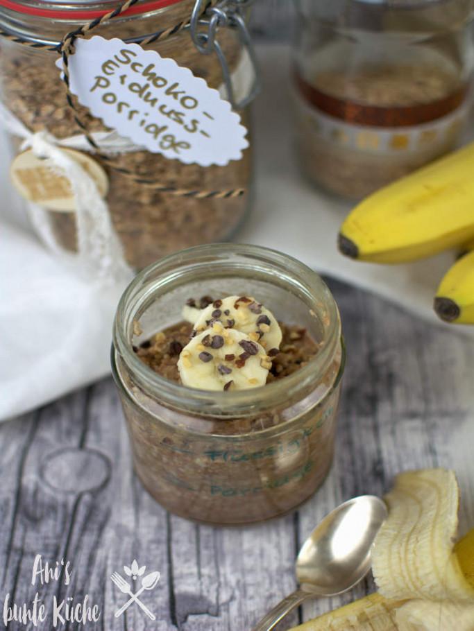 Schoko Erdnuss Porridge to go - in der Mikrowelle zubereitet für ein schnelles Frühstück