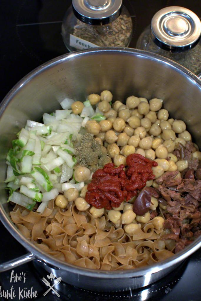 5 Zutaten für die One Pot Pasta im Topf