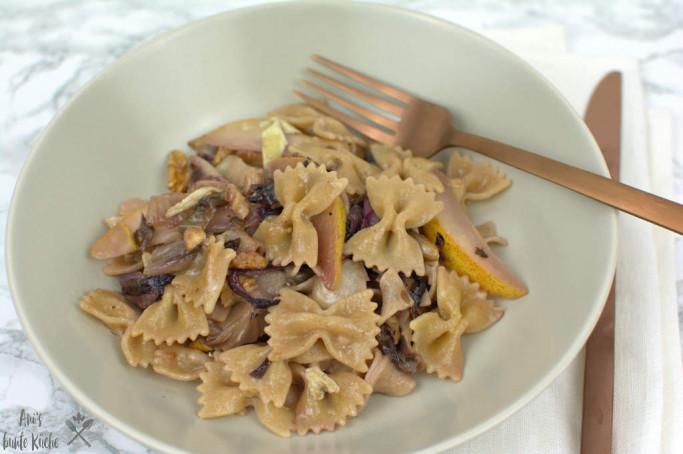 Radicchio Birnen Pasta mit Blauschimmelkäse