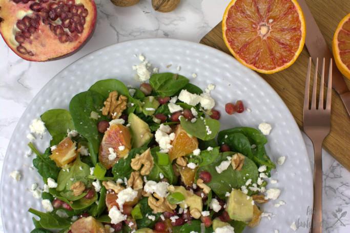Baby Spinat Salat mit Granatapfel und Orange zum Osterbrunch