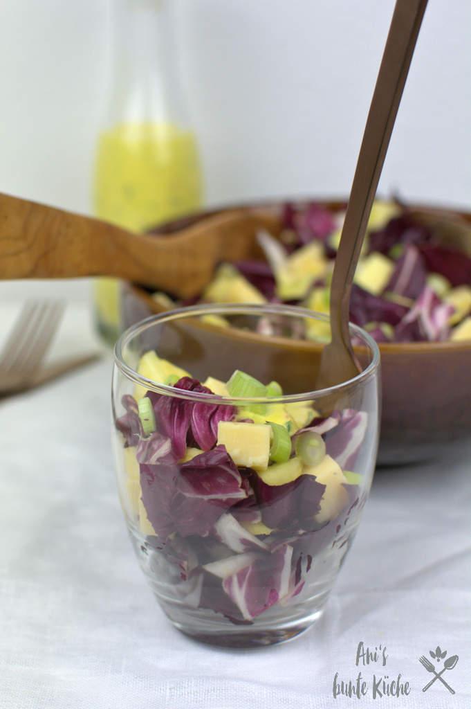 Mangodressing zu Radicchio Käse Salat