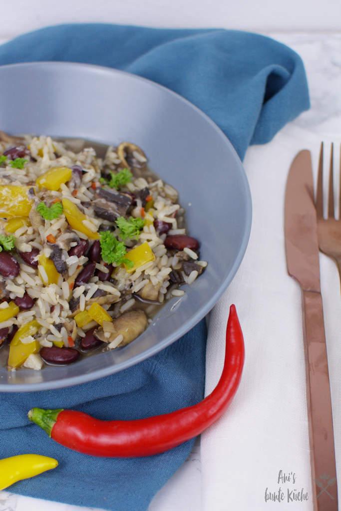 weißes Chili - mit Pilzen, Paprika und Kidneybohnen