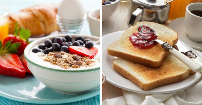 gesundes Frühstück mit Beeren und Müsli oder lieber Toast