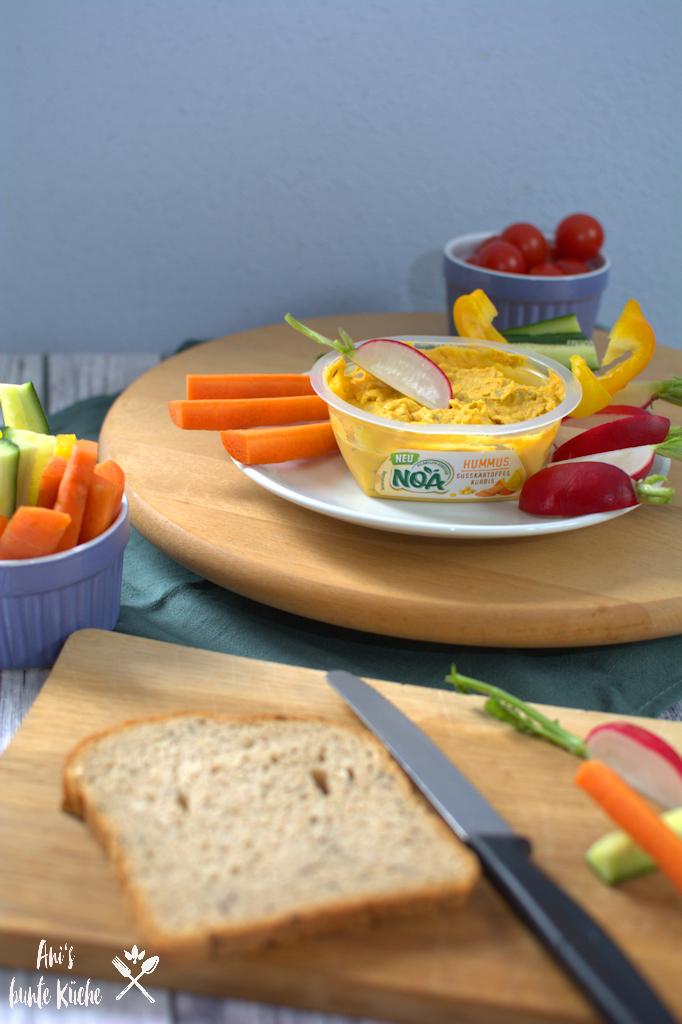NOA Hummus Süßkartoffel-Kürbis mit Gemüsesticks