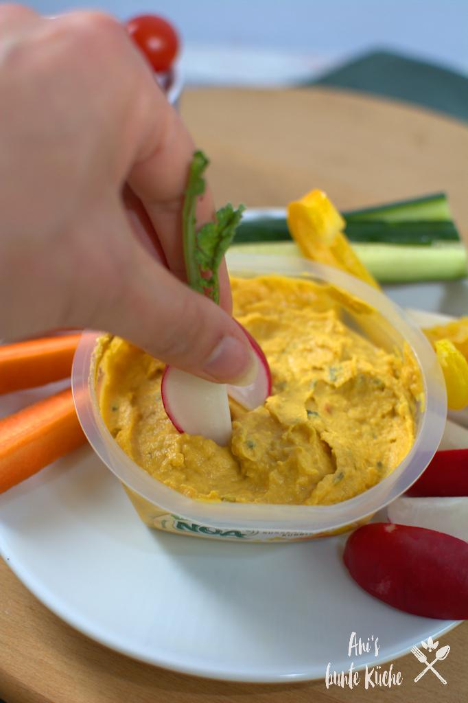 leckerer Dip - NOA Hummus Süßkartoffel-Kürbis mit Rohkost