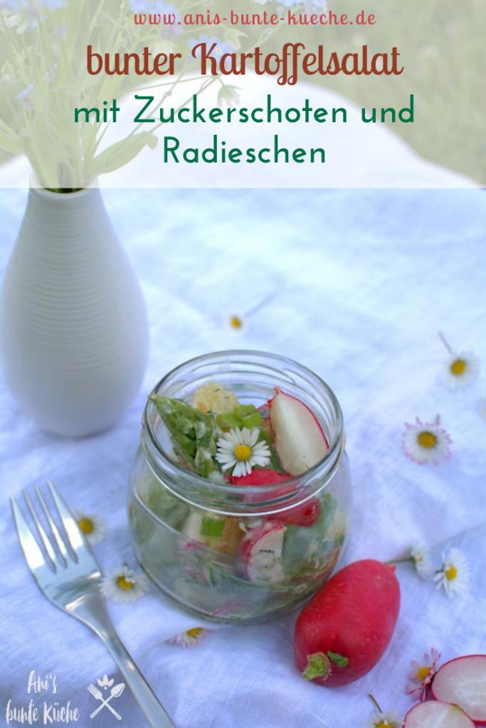 bunter Frühlings-Kartoffelsalat mit grünem Spargel und Zuckerschoten