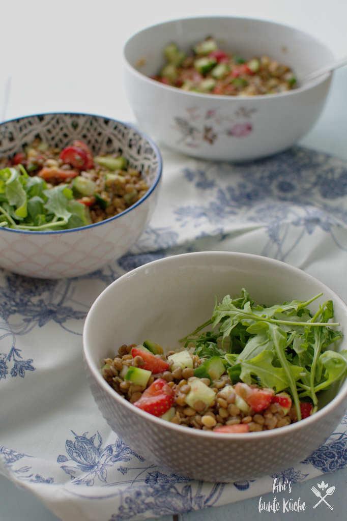 Couscous-Linsen-Salat mit Erdbeeren